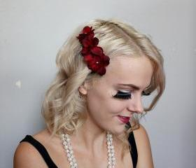 deep red floral flowers clear hair comb // burlesque // flapper style // floral