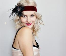 1920s burgundy velvet and black art deco feather headband
